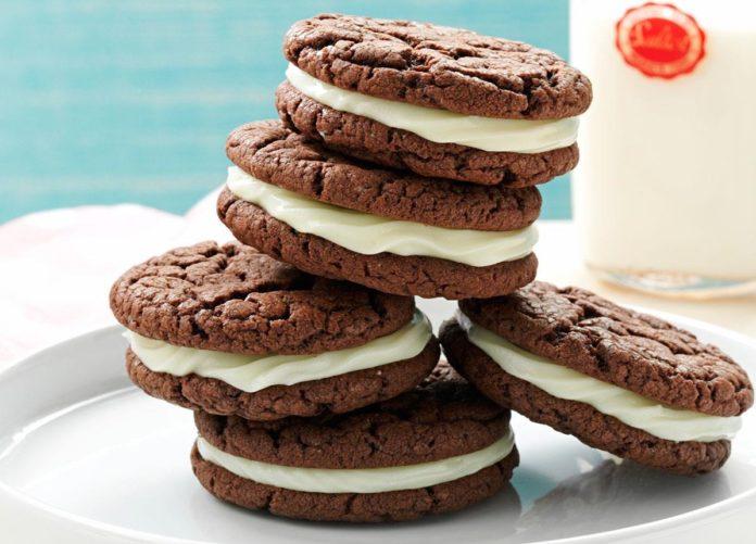 Chocolate sandwich Cookie