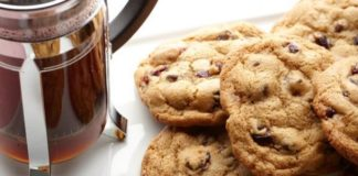Healthy Oatmeal Cherry Chocolate Chip Cookies