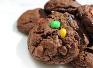 m&m's chocolate cookies