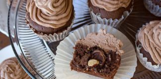 Ferrero Rocher Stuffed Cupcakes Recipe