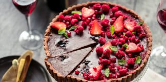 Dark Chocolate Berries Tart Recipe
